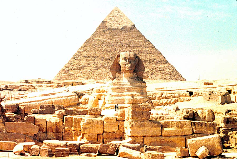 Cheops_pyramid_and_Sphinx.jpg