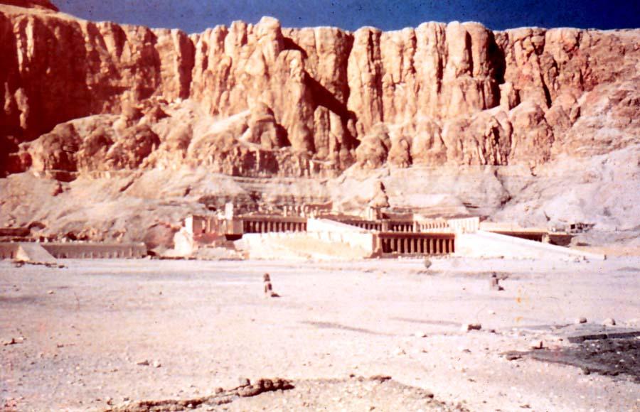 Hatshepse_temple.jpg